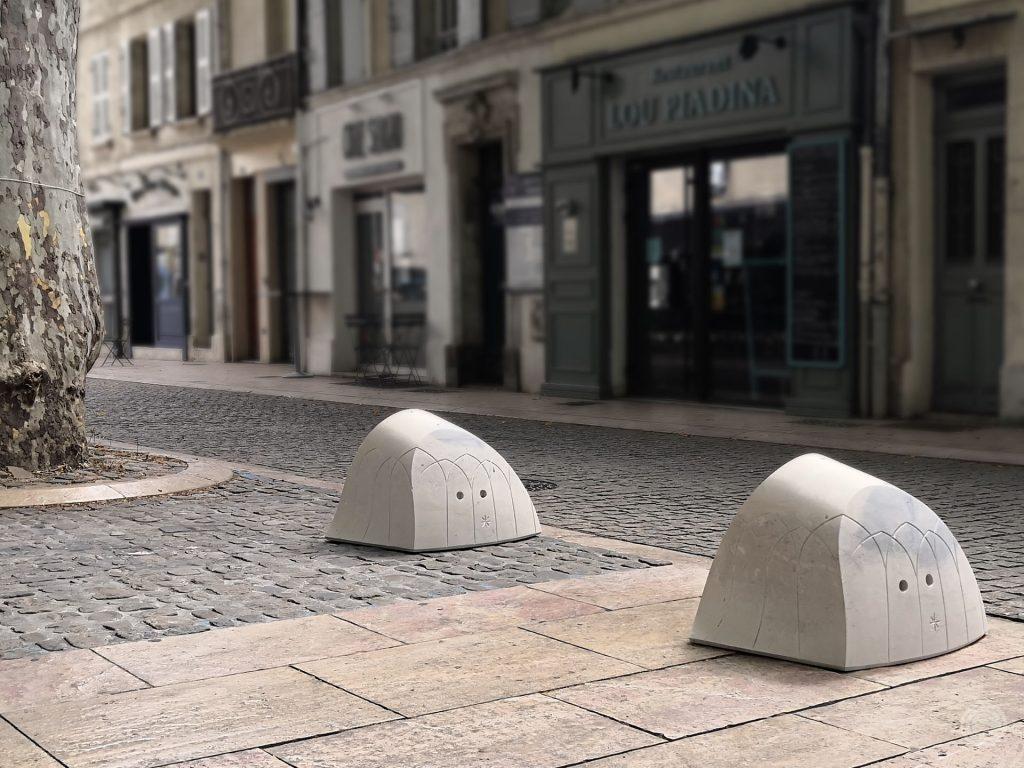 Bornes anti-stationnement | Place des Carmes | Avignon 2020
